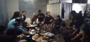 Suasana diskusi Ngomongin Media Kota Kreatif di Kedai Dijak Kopi. Foto by Nur Hidayah